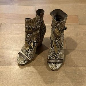 Brand New, Never Worn Tsubo Open Toe Bootie